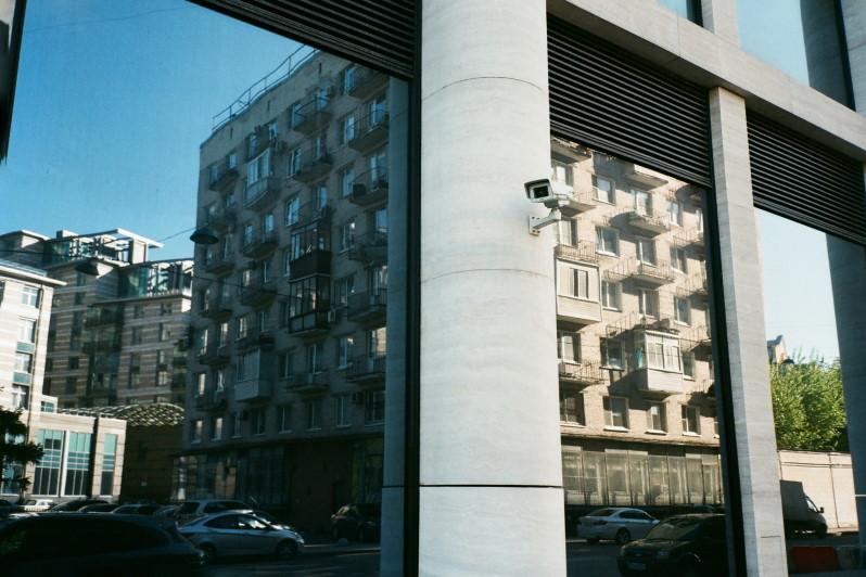 Montazh-sistem-videonablyudeniya-v-Sankt-Peterburge